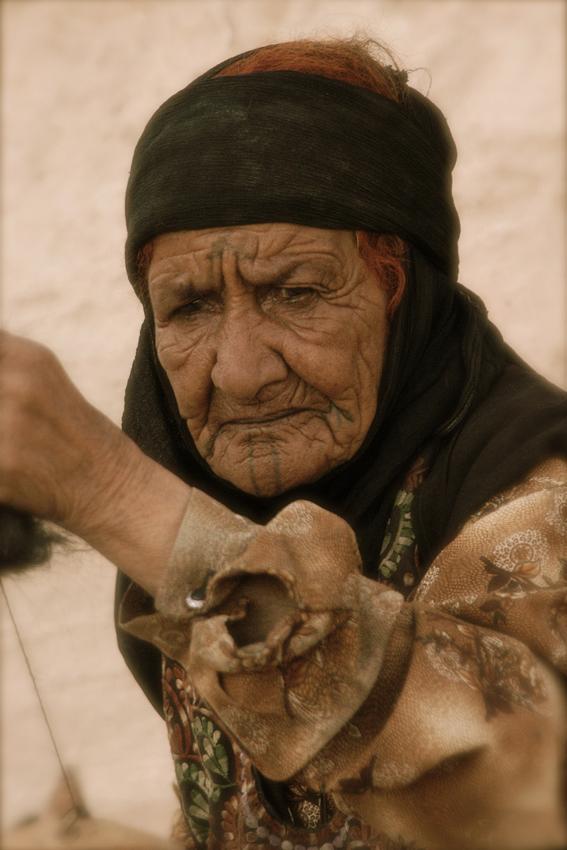 0010 ritratto a Petra, Giordania